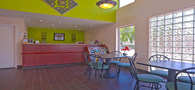 Redwood Creek Inn - Lobby and Breakfast - Redwood City Hotels