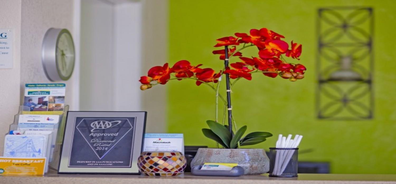 Redwood Creek Inn - Front Office - Redwood City Hotels