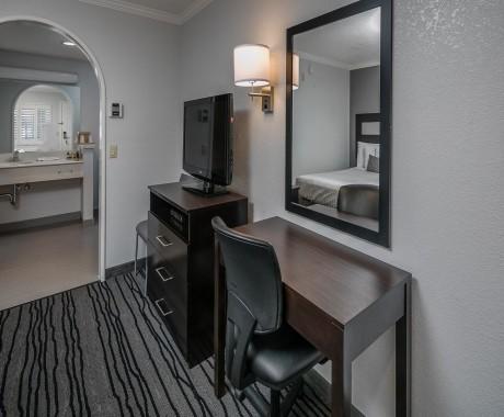 Redwood Creek Inn - 2 Double Beds Guest Room