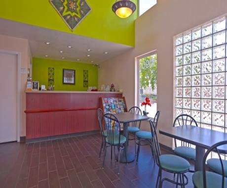 Redwood Creek Inn - Lobby and Breakfast - Redwood City Hotels